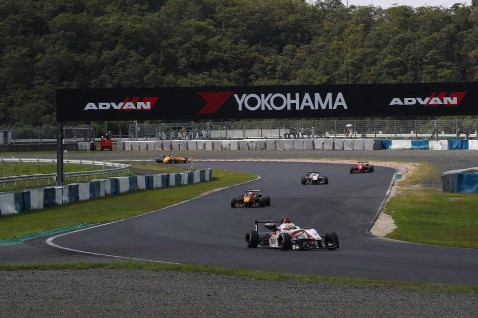 Японская Формула-3 еще три года будет ездить на шинах Yokohama ADVAN