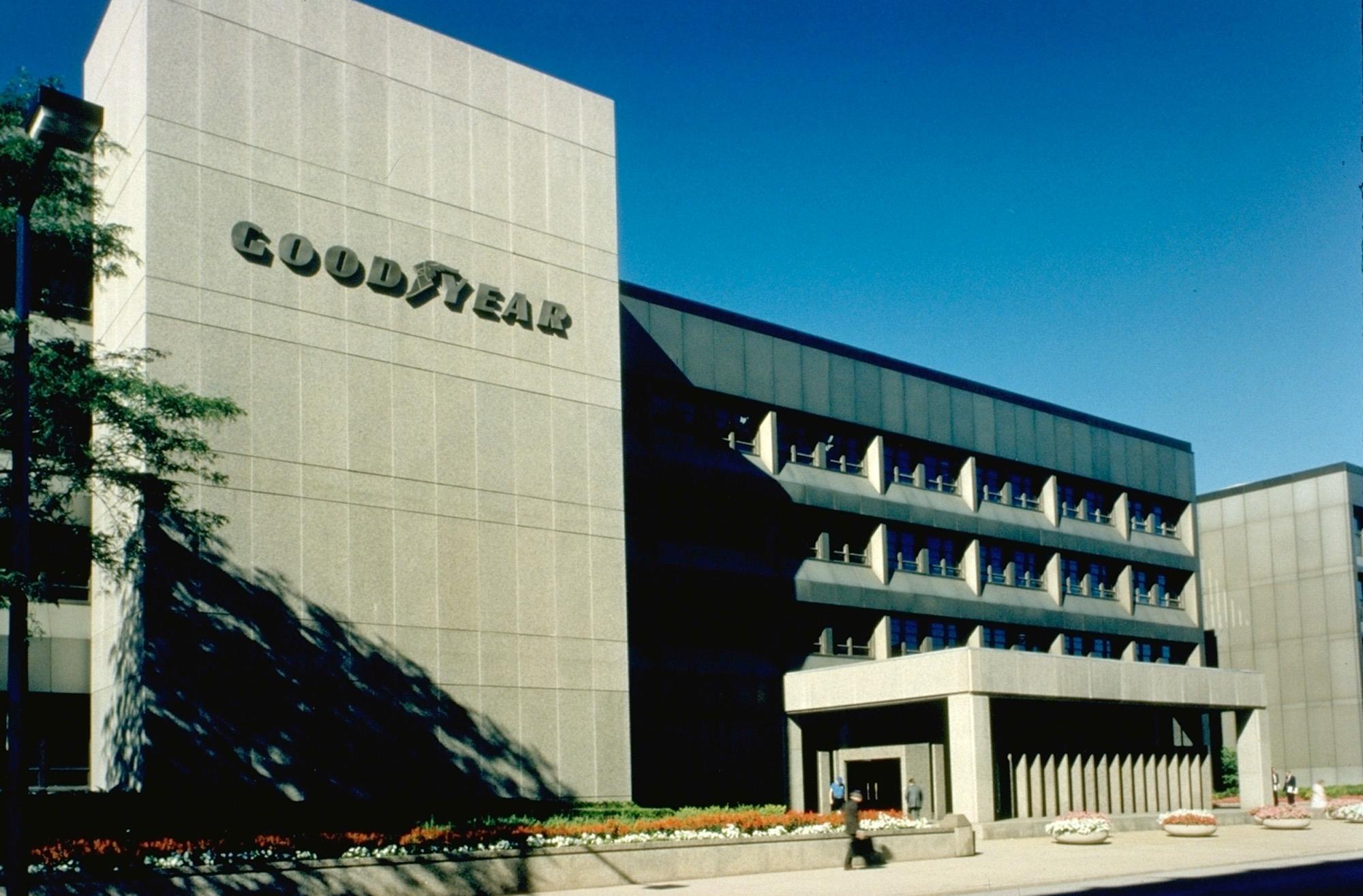 Чистая прибыль компании Goodyear в 2016 году превысила 1 миллиард долларов
