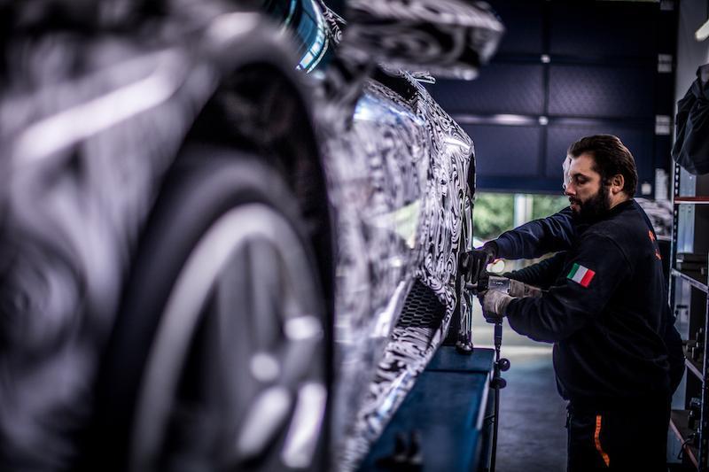Lamborghini Huracan Performante на шинах Pirelli установил новый рекорд Нюрбургринга
