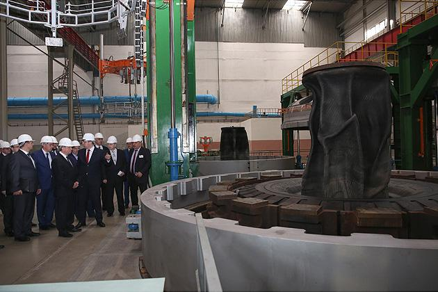 Глава правительства Беларуси посетил завод сверхкрупногабаритных шин ОАО «Белшина»