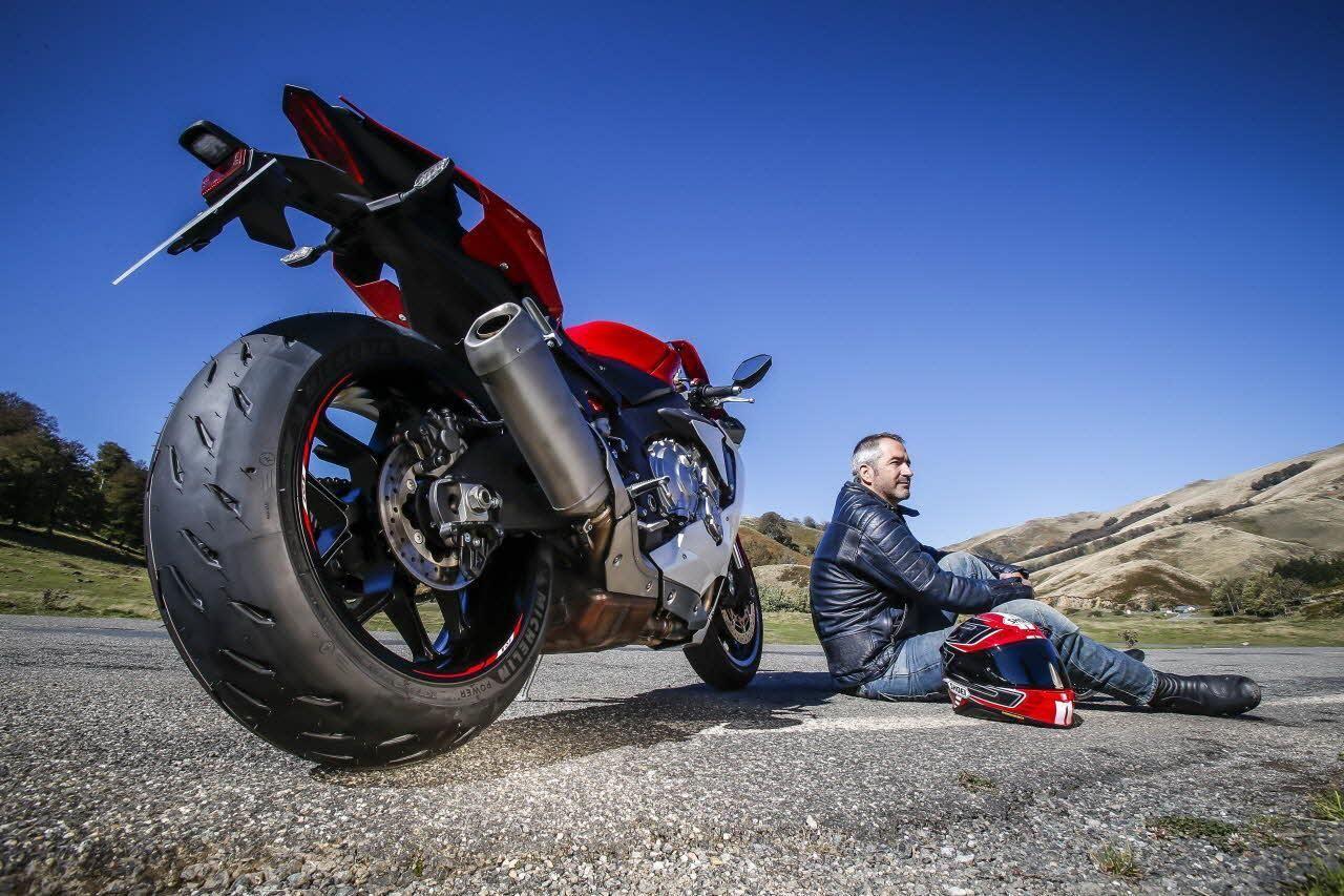 Michelin Power RS - новая эра в мире мотошин