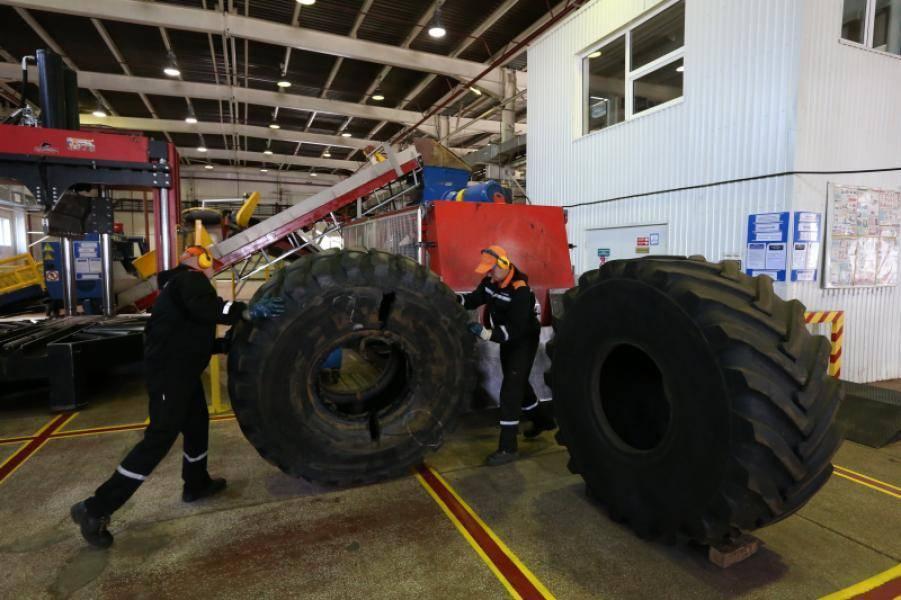 Сургутские нефтяники переработали более 100 тысяч старых автопокрышек