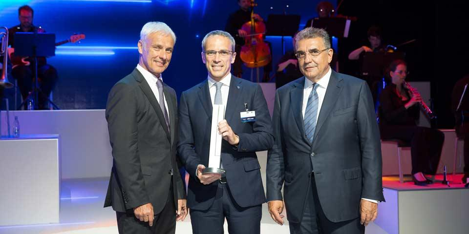 Bridgestone получила премию VW Group Awards 2017 за инновационные технологии