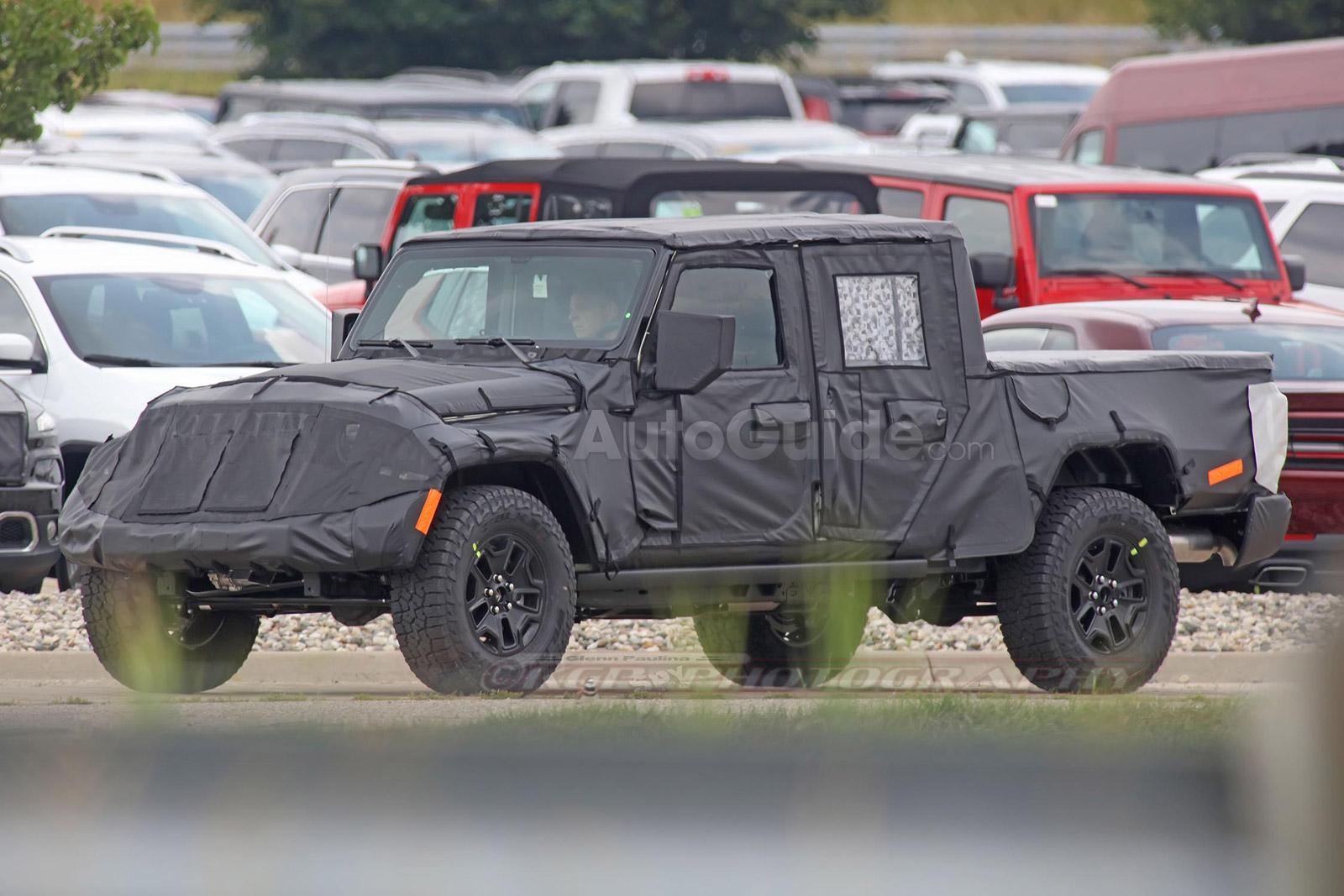 Новейший Jeep Wrangler Pickup 2019 примерил шины от Falken
