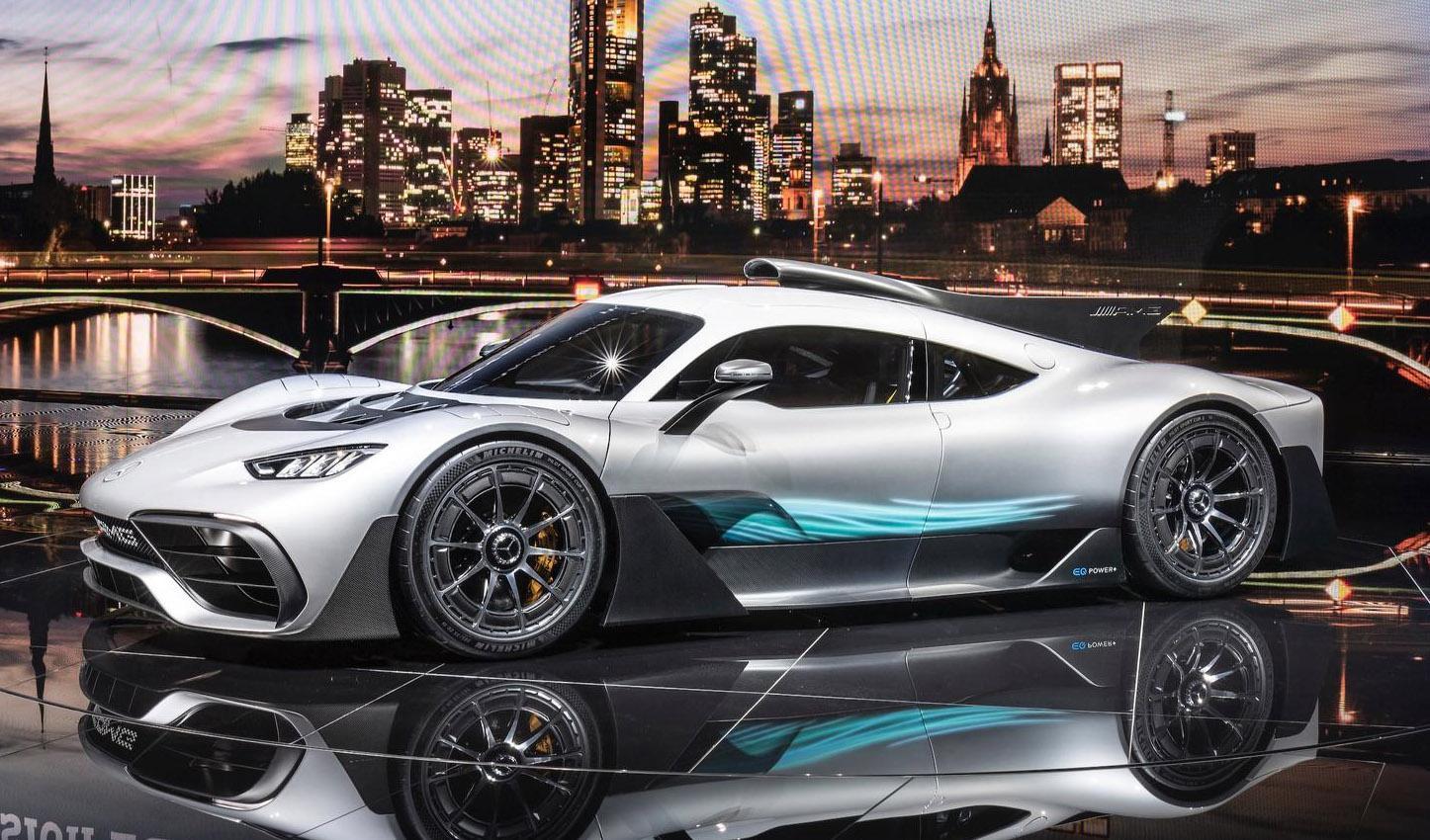 Новый гиперкар Mercedes-AMG Project One обули в шины Michelin