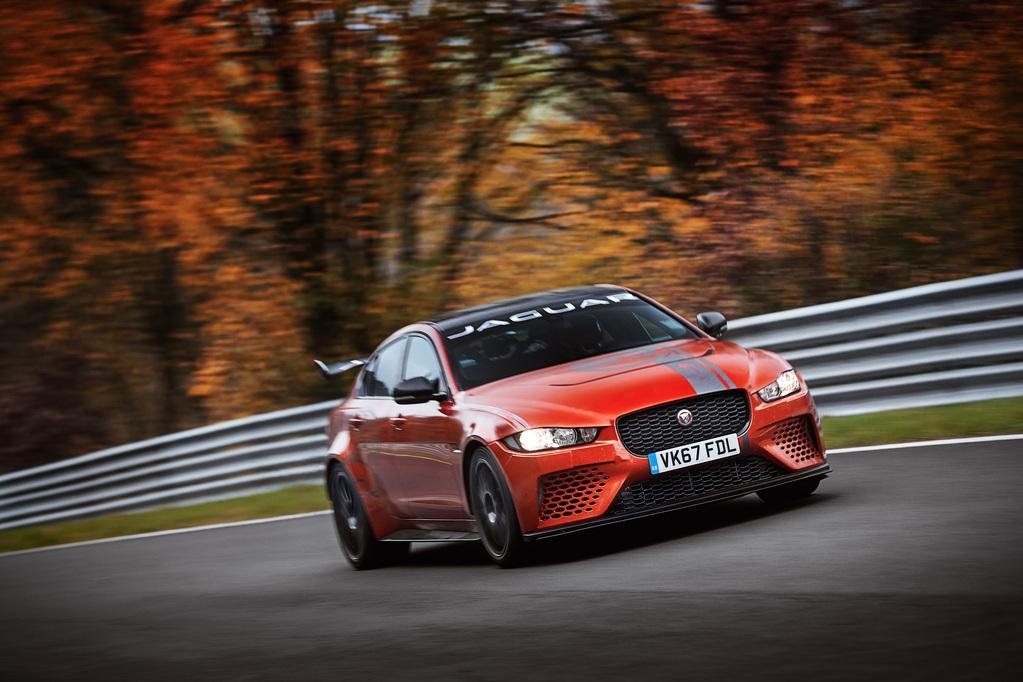Шины Michelin помогли Jaguar XE SV Project 8 стать самым быстрым седаном в мире