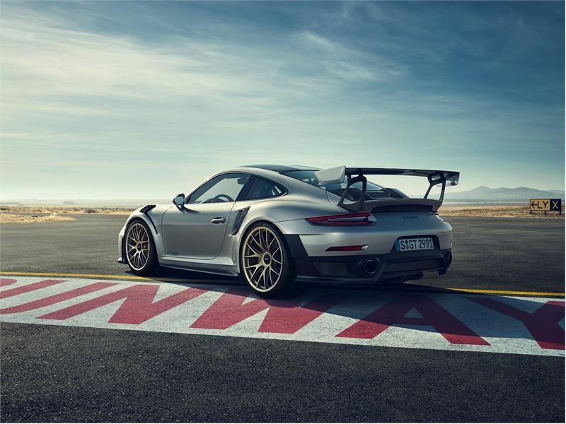 Porsche омологировала шины Dunlop Sport Maxx Race 2 для нового 911 GT2 RS