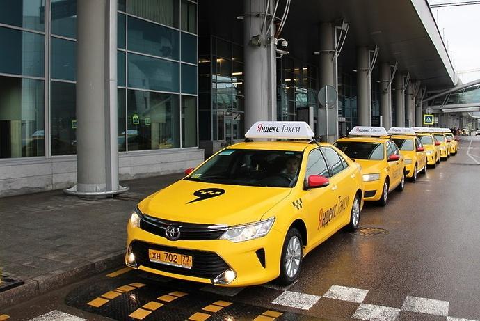 Навязчивых таксистов предложили штрафовать