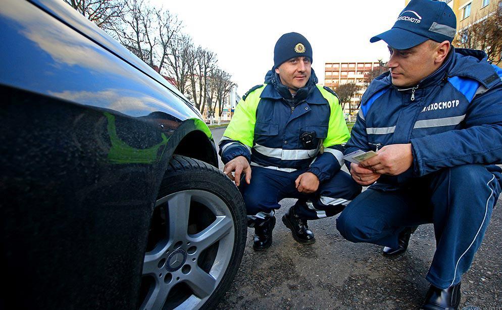 Новые Правила техосмотра предписывают установку шипованных шин на всех колесах