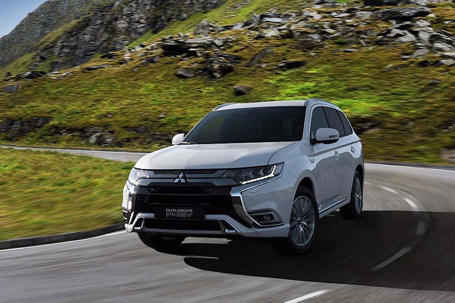 Mitsubishi обновила гибридный Outlander