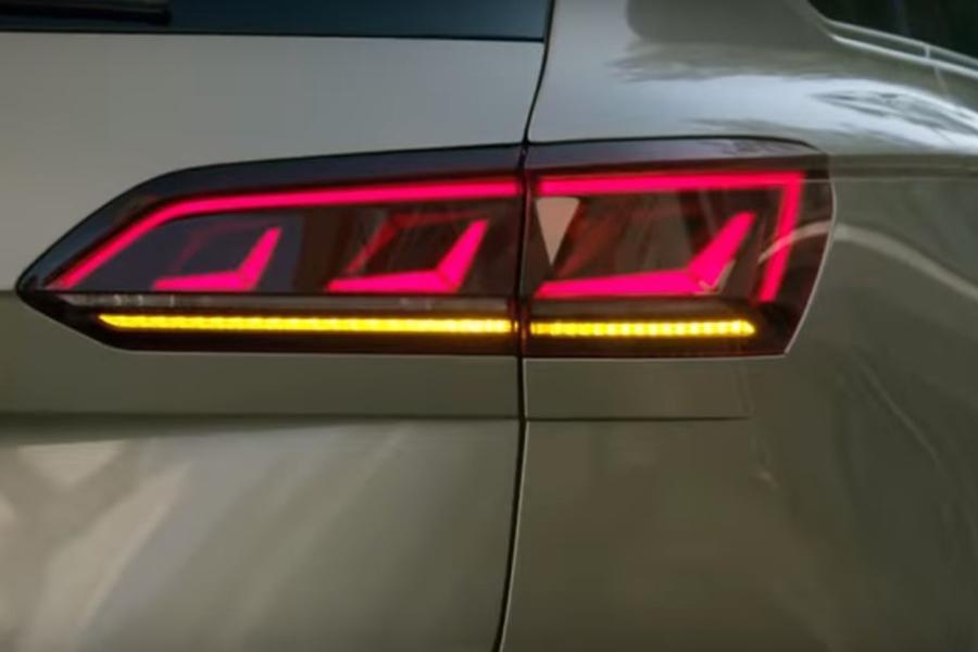 Volkswagen показал видеотизер нового Touareg
