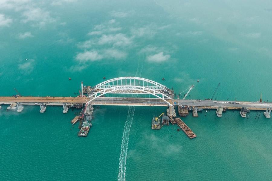 Движение по мосту в Крым будут открывать поэтапно