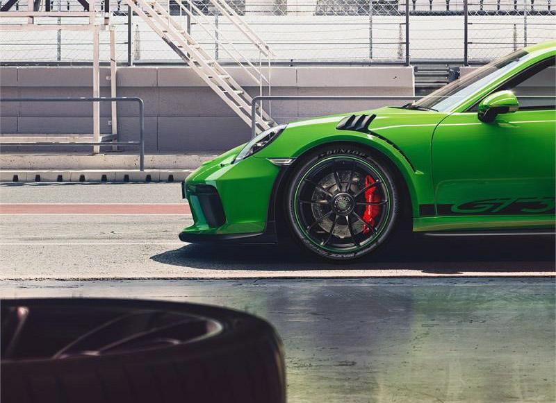 Dunlop Sport Maxx Race 2 омологированы для нового Porsche 911 GT3 RS