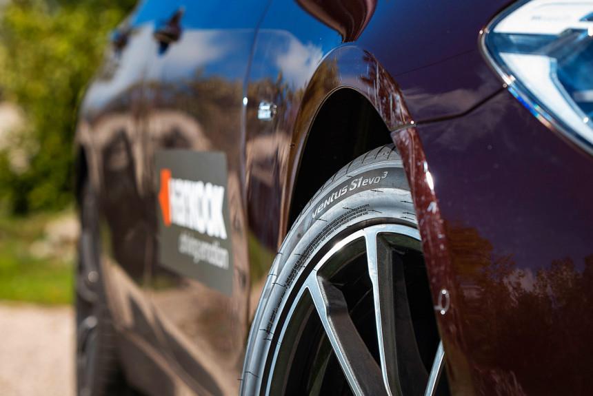 Новые летние шины Hankook Ventus S1 evo3: на аэродроме и на горном допе с перекрытием!