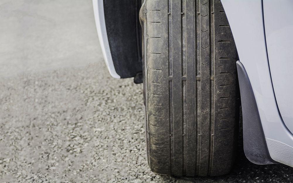 7 резиновых сигналов: что шина говорит о проблемах автомобиля