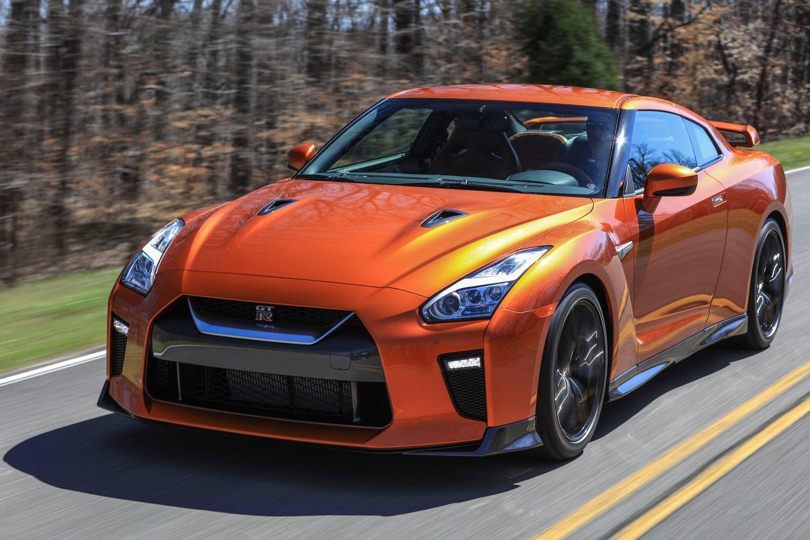 Автосалон в Нью-Йорке 2016: Nissan GT-R