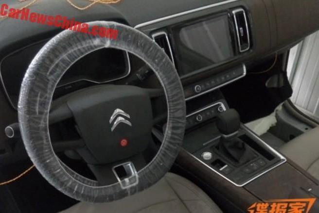 Фотошпионы показали интерьер нового Citroen C6