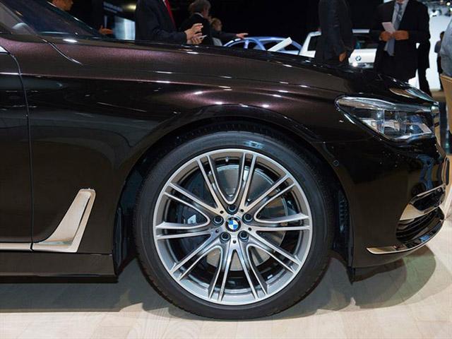 Bridgestone будет поставлять шины на первичную комплектацию BMW 7-й серии и BMW X1
