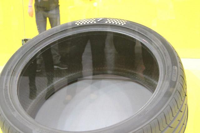 Zenises представила в Эссене самые дорогие в мире шины