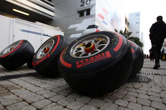 Renault и Haas решили использовать в Гран-при Канады только два типа резины