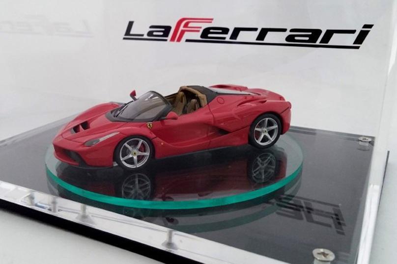 У гиперкара LaFerrari будет версия с кузовом «спайдер»