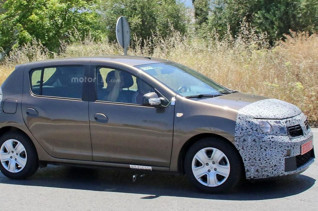 Renault Sandero готовится к рестайлингу