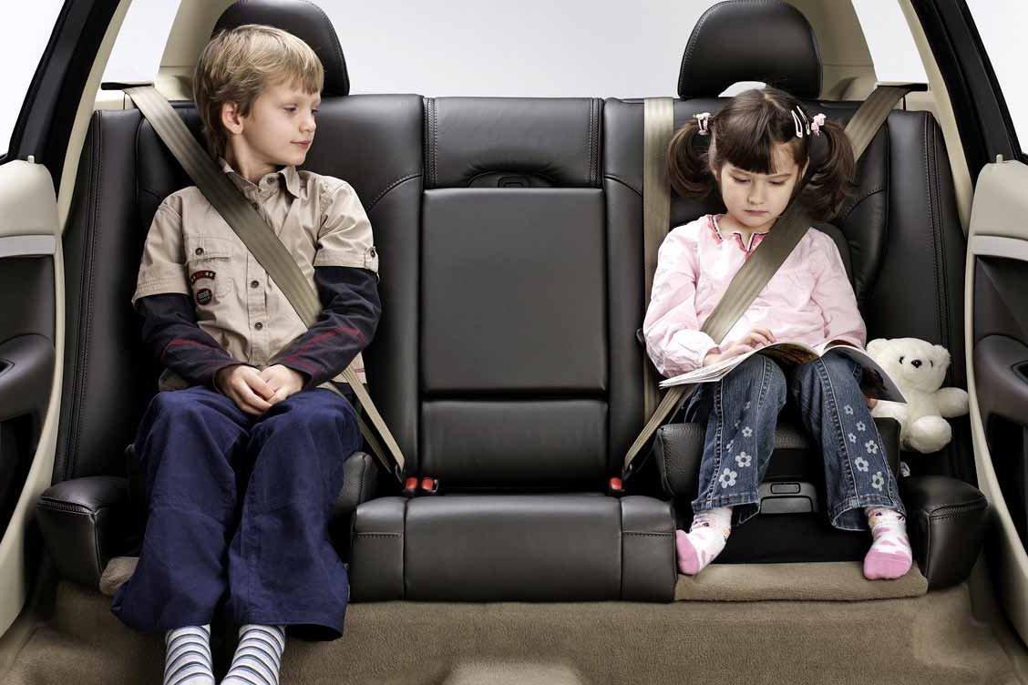 МВД предлагает изменить правила перевозки детей в машине