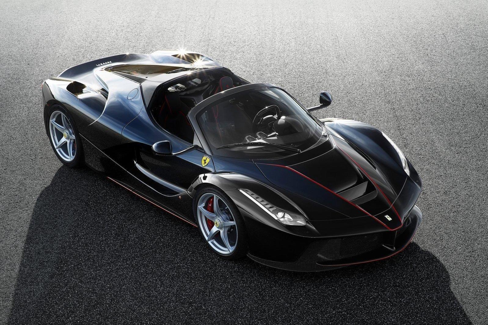 Ferrari обнародовала снимки открытой версии LaFerrari