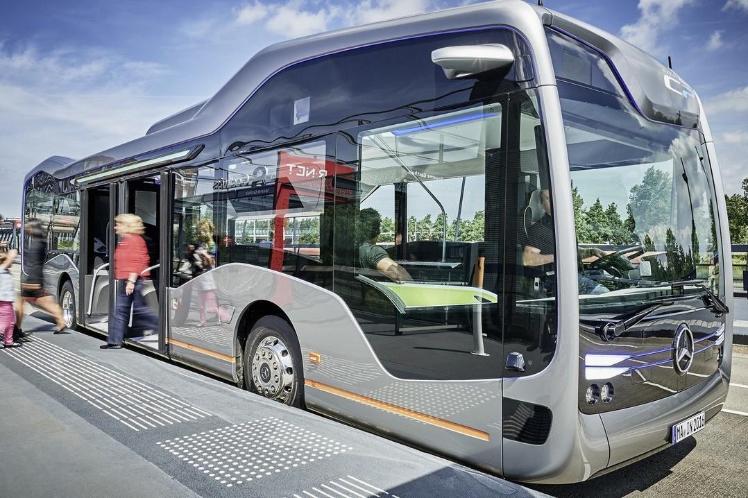Mercedes сделал беспилотный автобус