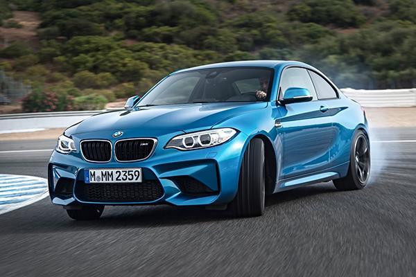 BMW перестанет продавать в России купе и кабриолеты
