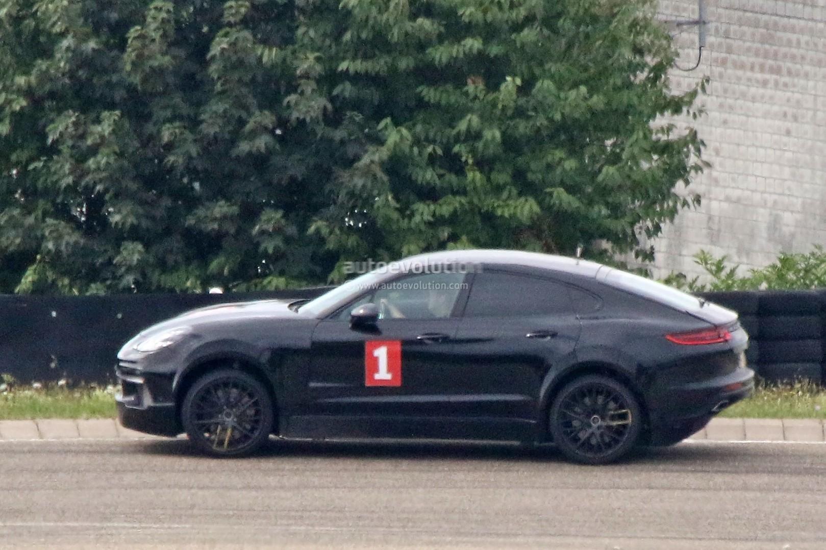 Porsche вывела на тесты Cayenne-купе