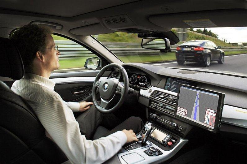В Британии проведут трек-дни для машин с автопилотом