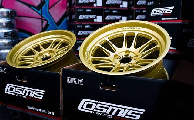 Литые диски Cosmis привезут на выставку в Москву