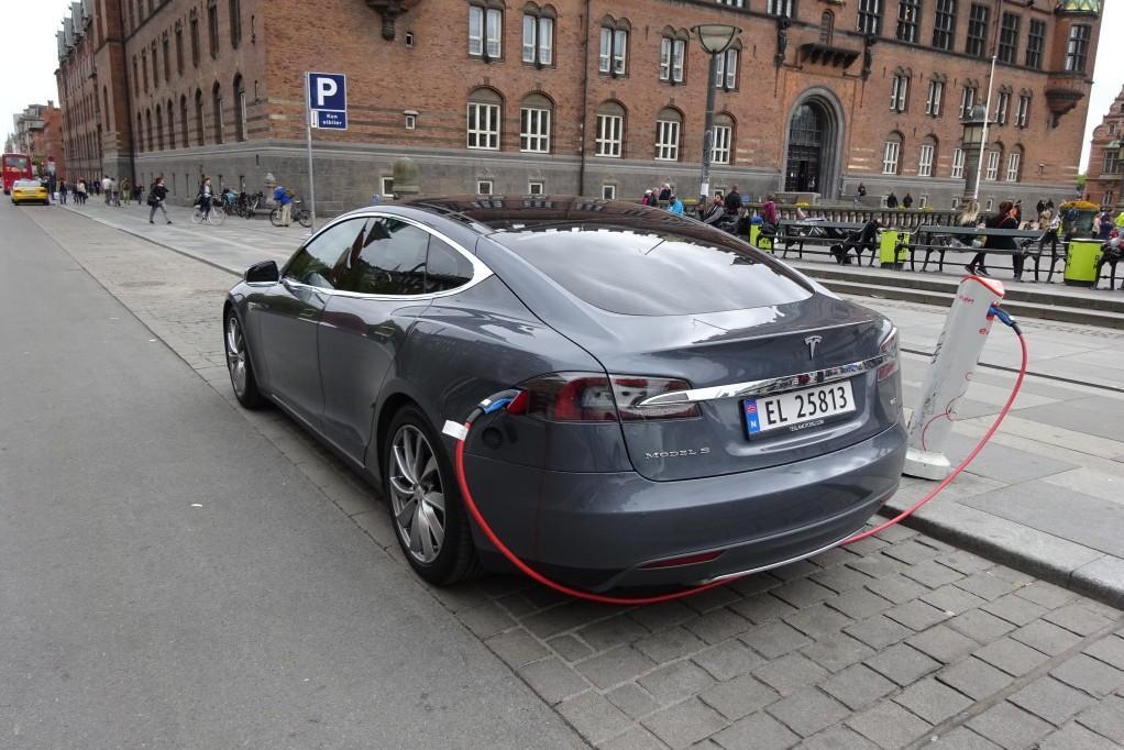Норвегия не собирается запрещать машины с традиционными ДВС
