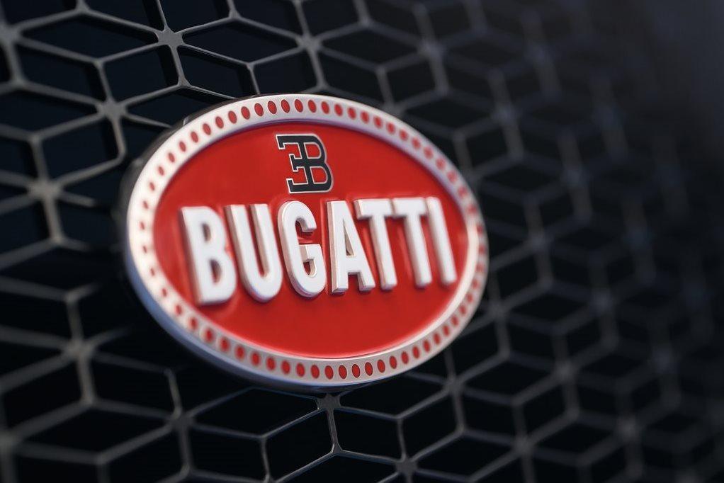 В Bugatti задумались о гибриде и суперседане