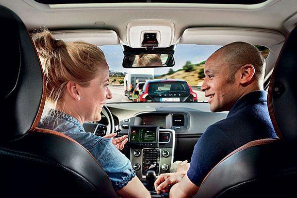 В США выяснили, готовы ли водители ездить с автопилотом