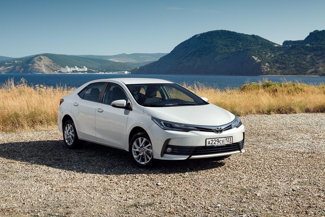 Стартовали российские продажи обновленной Toyota Corolla