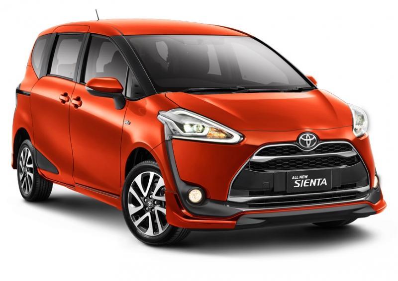 Шинники Bridgestone обуют новые минивэны Toyota Sienta