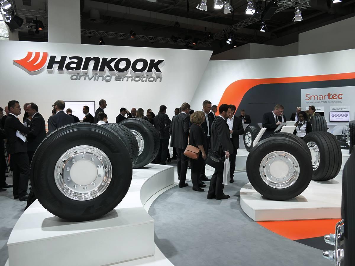 На выставке в Ганновере Hankook Tire представила новые модели TBR-шин для Mercedes-Benz