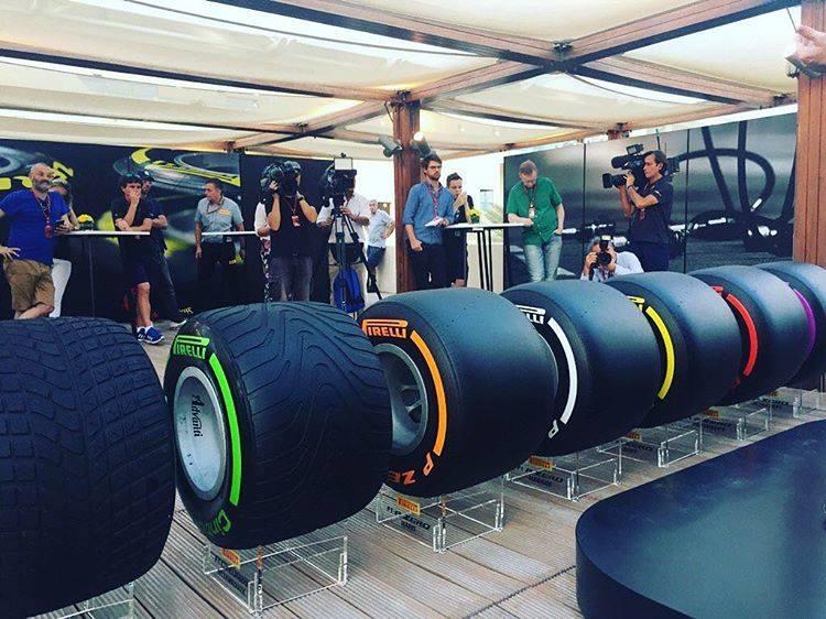 В Абу-Даби прошла презентация новых шин Pirelli для F1 2017