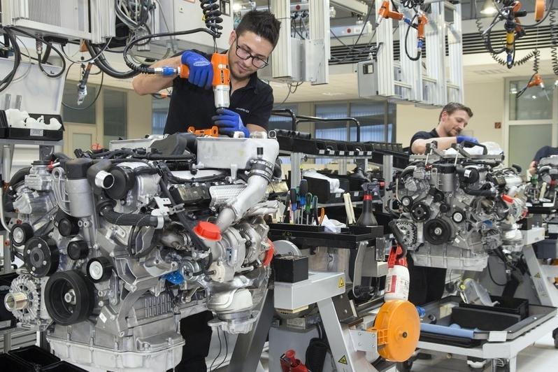 Немецкие моторостроители опасаются безработицы