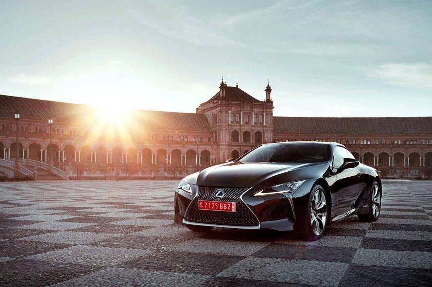Bridgestone подготовил специальные шины для заводской комплектации Lexus LC500