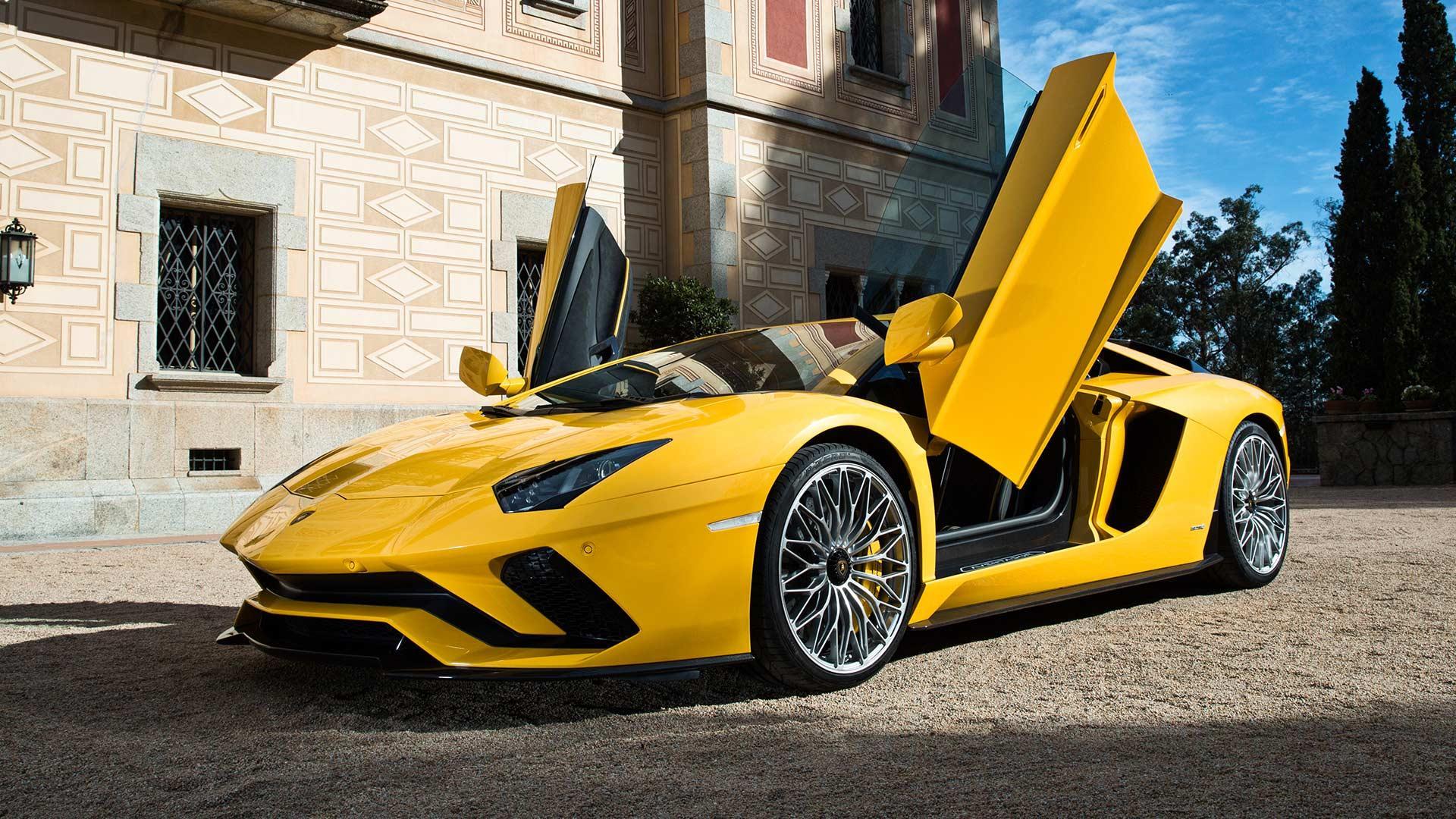 Новый Lamborghini Aventador S обули в специальную версию Pirelli P Zero