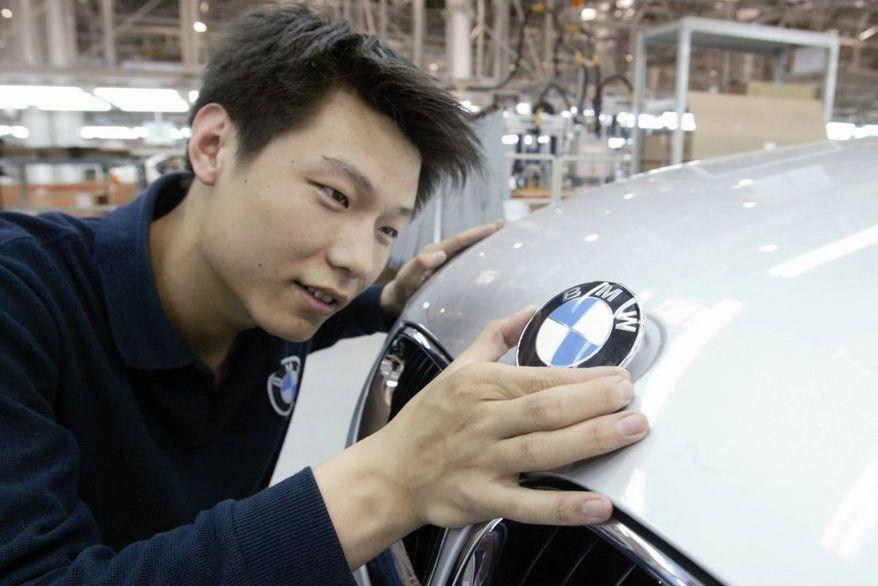 Китай уверенно лидирует по продажам автомобилей