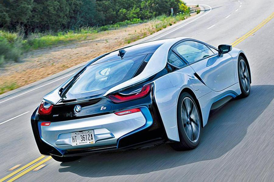 BMW i8 в 2017 году ждет рестайлинг
