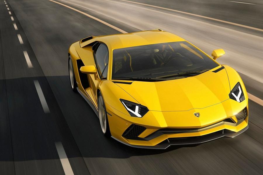 Lamborghini выпустила видеообзоры нового Aventador S