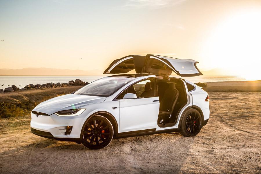 Tesla придет в Россию официально