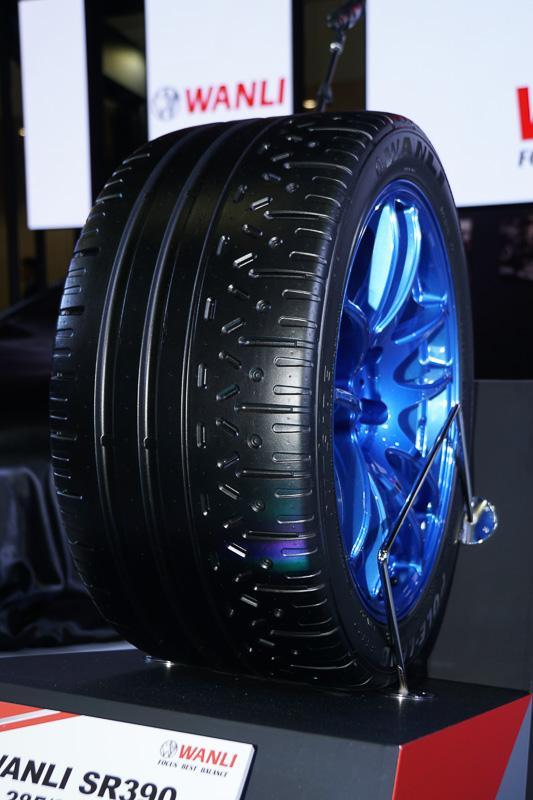 Японский дрифтер Дайго Сайто представил новые шины Wanli SR390