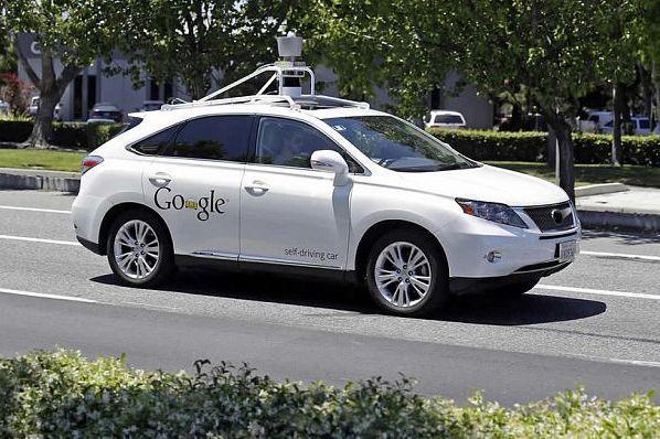Кого может убить беспилотный автомобиль: решают пользователи интернета