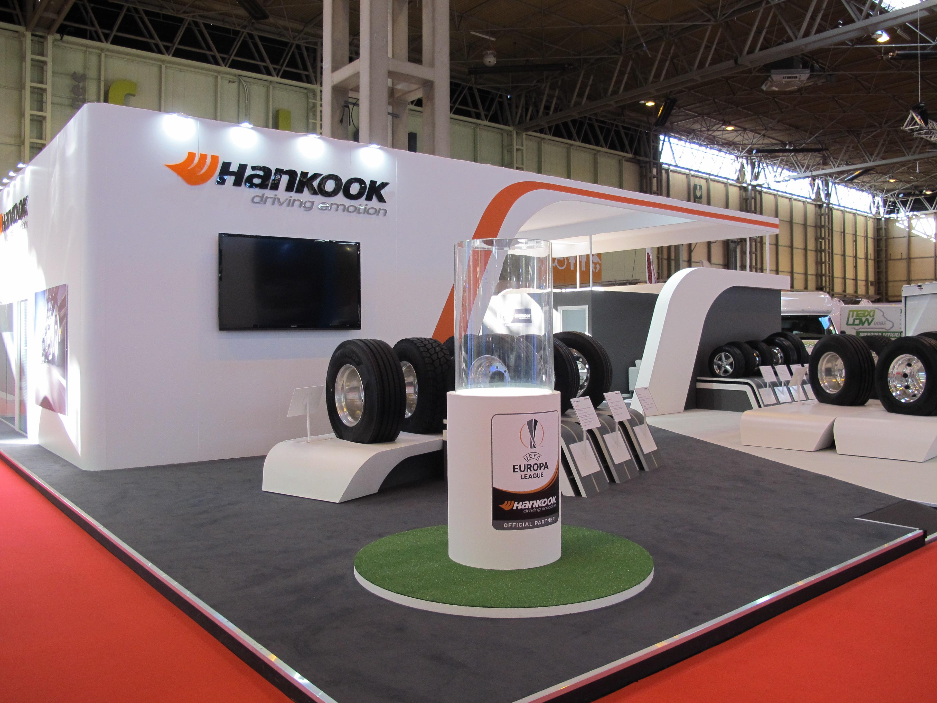 На CV Show 2017 шинники Hankook привезут TBR-шины линеек SmartFlex, SmartWork и SmartTouring